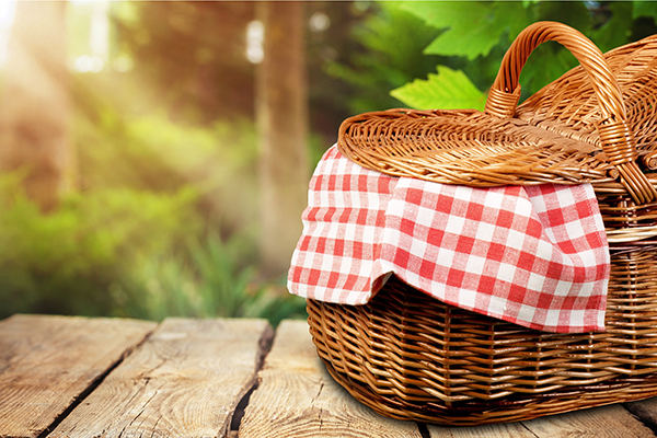 How to plan a safe summer picnic