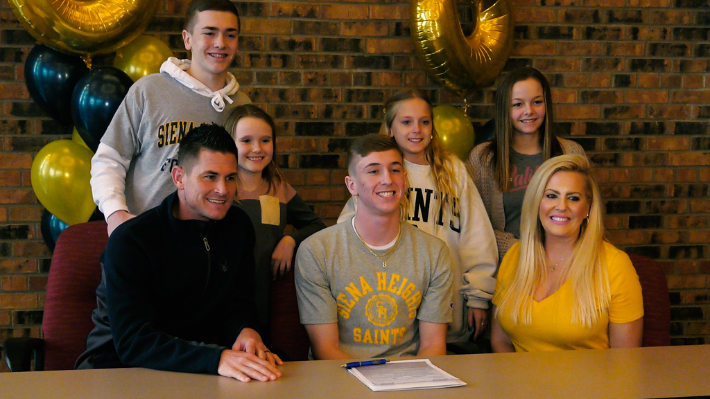 Concordia's Jalen Vanderbosch signs with Siena Heights football