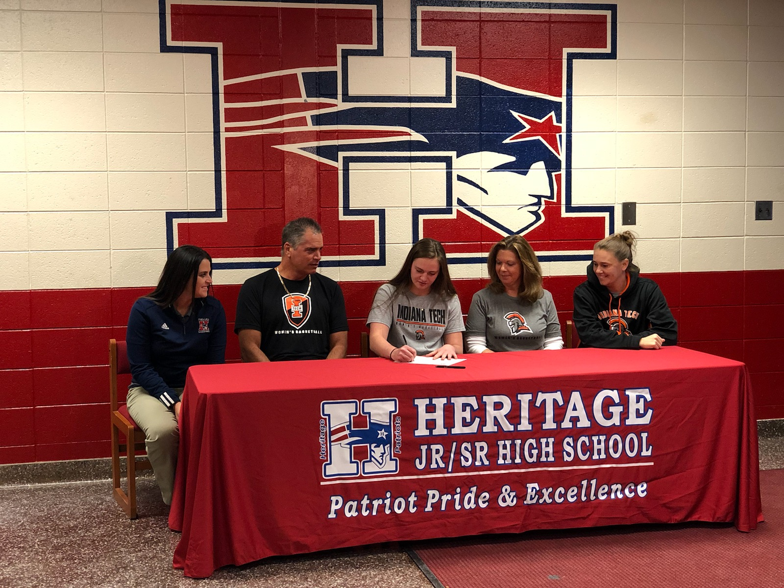 Heritage's Bree Dossen signs with Indiana Tech women's basketball