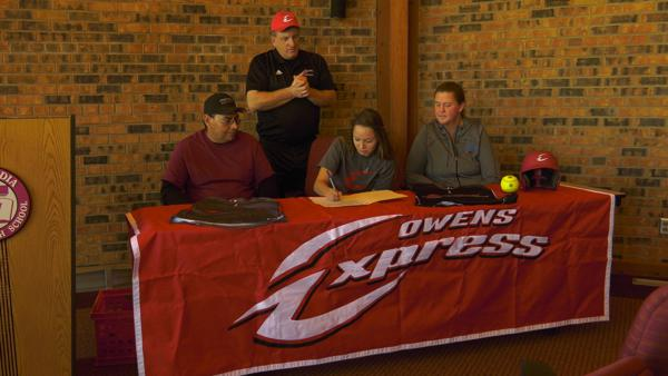 Concordia's Perez signs with Owens softball