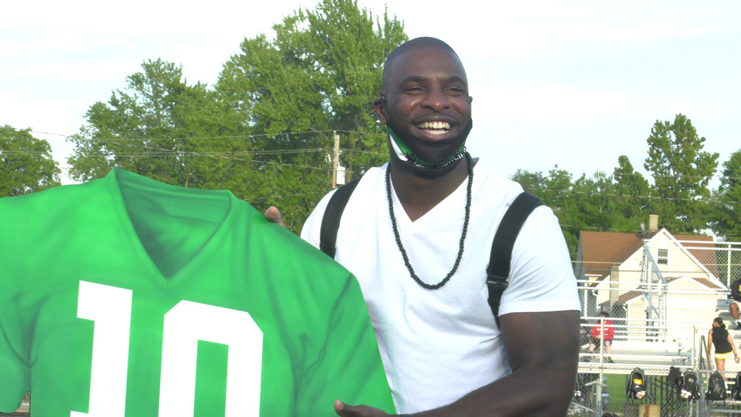 Bernard Pollard's #10 becomes first retired by South Side