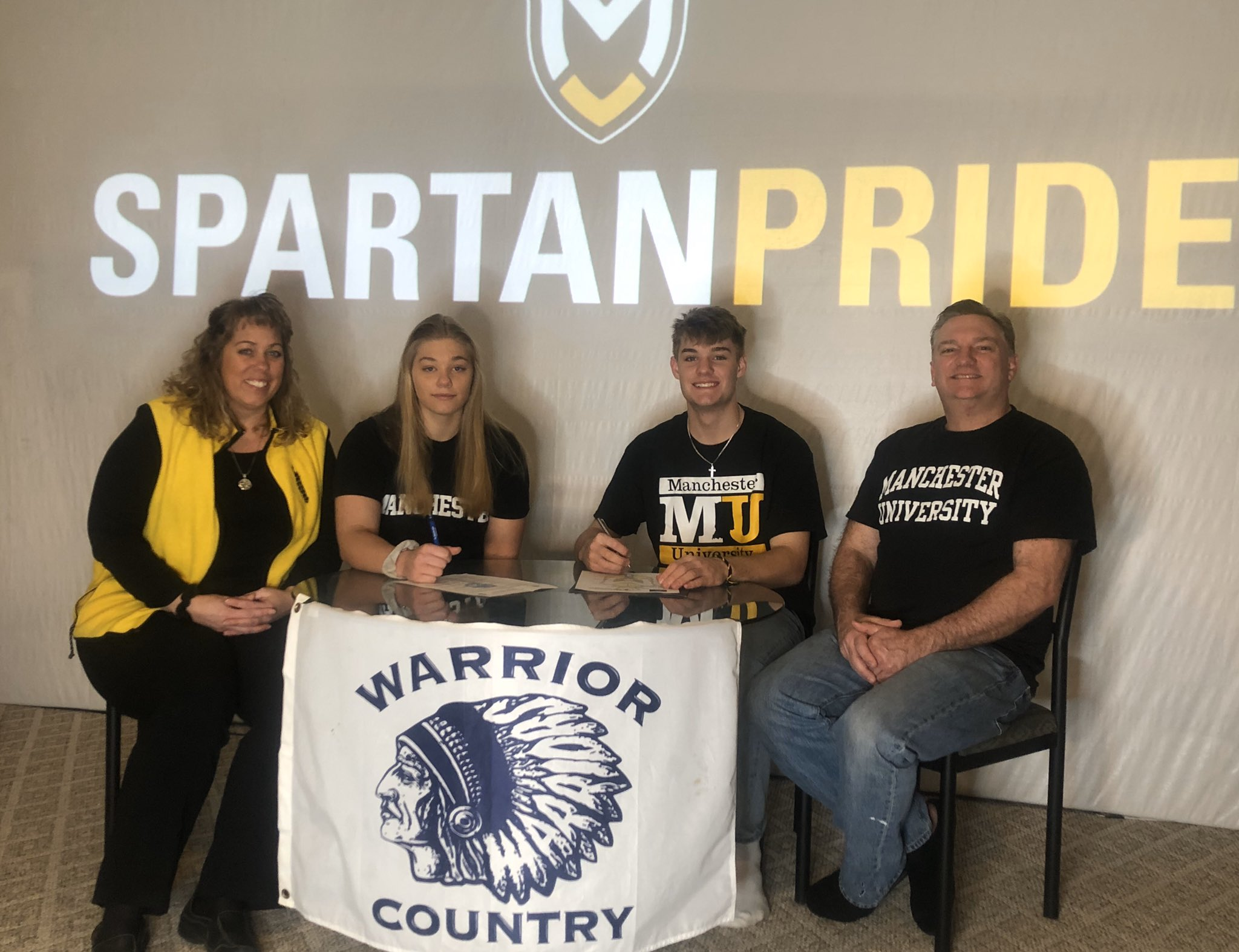 Woodlan's Mendenhall Twins both will play basketball at Manchester University