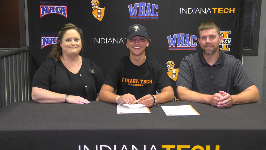 Hayden Scott signs with Indiana Tech hockey