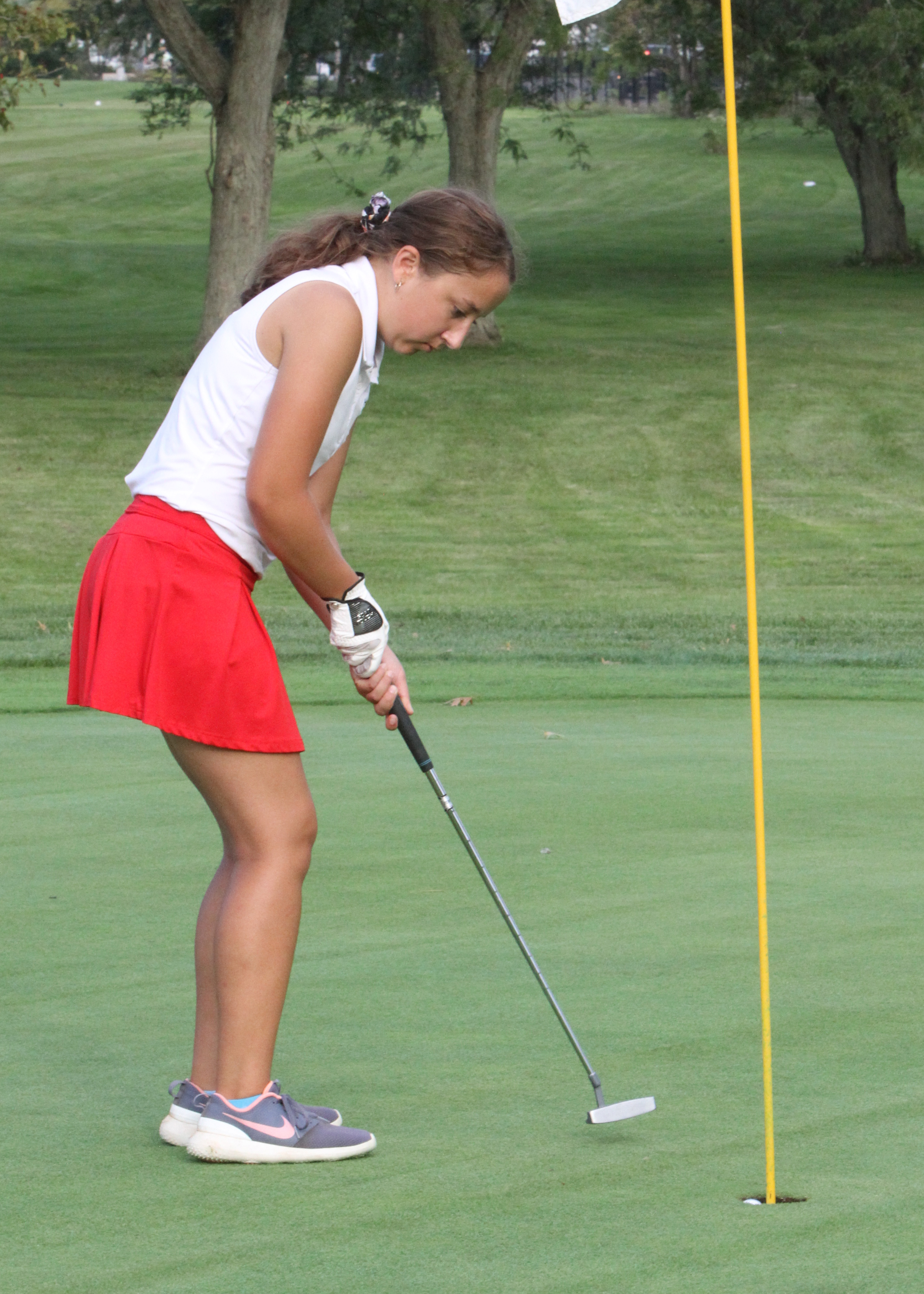 Carley Rodenbeck shot a school record 37 on September 5 (photo Kim Sheehan)